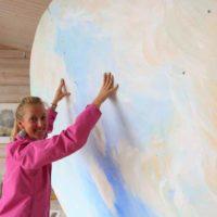 Näyttelyn rakentaminen. Kuva Jenni Zweygberg